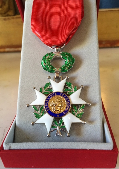 01 - Medal of the Chevalier de l'Ordre National de la Légion d'honneur