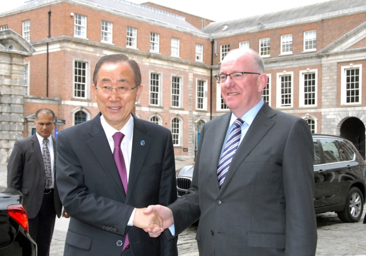 2. Minister for Foreign Affairs and Trade, Charlie Flanagan, TD, greets UN Secretary-General Ban Ki-moon upon his arrival at Dublin Castle