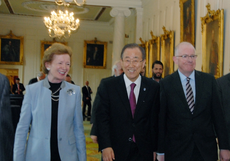 6. Former Irish President, Mary Robinson, now UN Special Envoy for Climate Change, joins UN Secretary-General Ban Ki-moon and Minister Charlie Flanagan at the Dublin Castle event