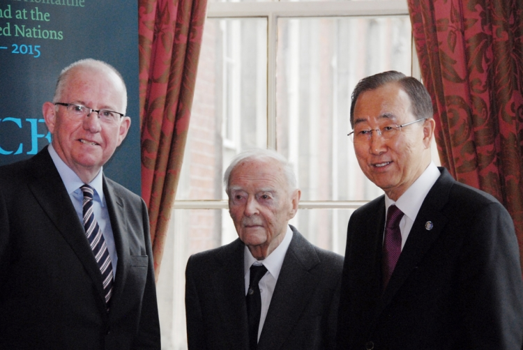15. Minister for Foreign Affairs and Trade, Charlie Flanagan, TD, with former Irish Taoiseach Liam Cosgrave, and UN Secretary-General Ban Ki-moon