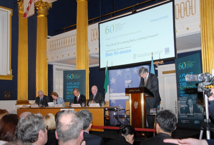 7. Niall Burgess, Secretary General of the Department of Foreign Affairs and Trade introduces the panel: Director General of the IIEA, Tom Arnold, UN Special Envoy for Climate Change Mary Robinson, UN Secretary-General Ban Ki-moon and Minister for Foreign Affairs and Trade, Charlie Flanagan