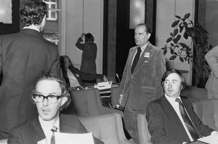 Meeting, Brussels, 1972, of the Confederation of Socialist Parties