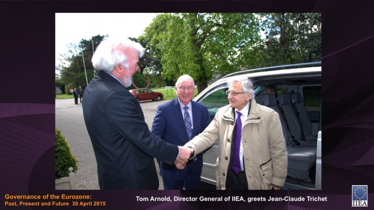 Tom Arnold, Director General of IIEA, greets Jean-Claude Trichet